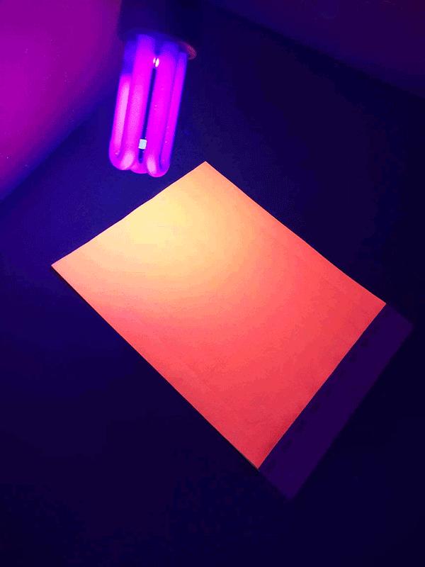 Neoninė oranžinė kontrolinė juostelė